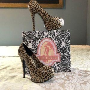 Pleaser Leopard print platform Bordllo pump shoes